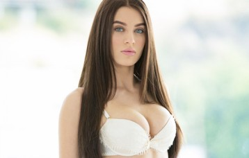 Snapchat Babe of the Month Lana Rhoades