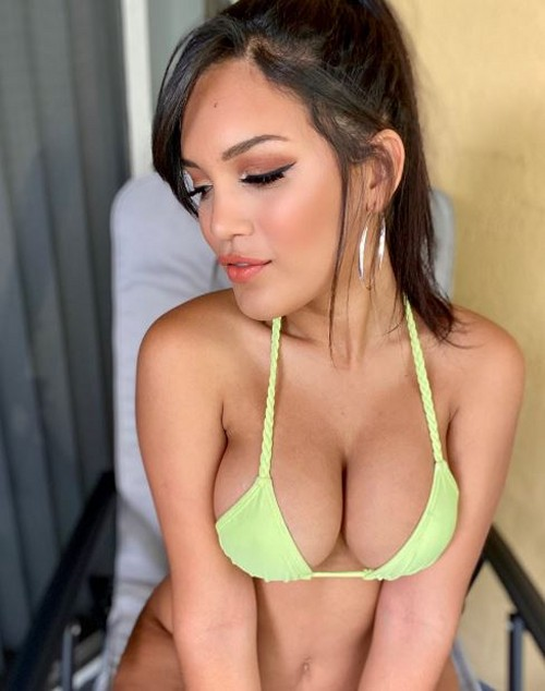 ALINA BELLE sexy snaps and nude selfies